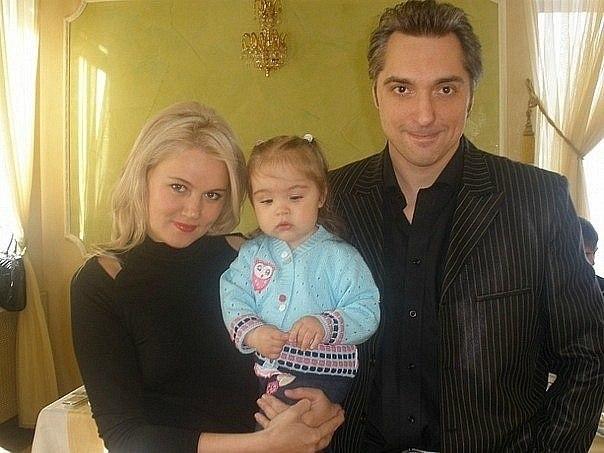Михаил Горшенев с женой Ольгой и дочуркой Александрой