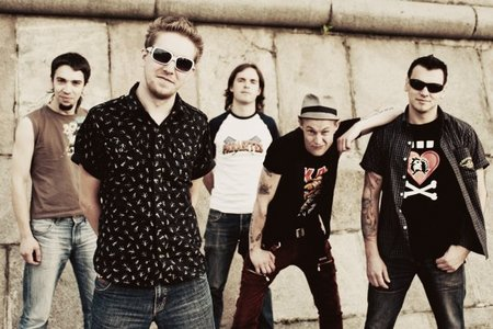 «Элизиум» - рок группа российского происхождения, а точнее из Нижнего Новгорода, основателем группы считается лидер и бас - гитарист   Дмитрий Кузнецов