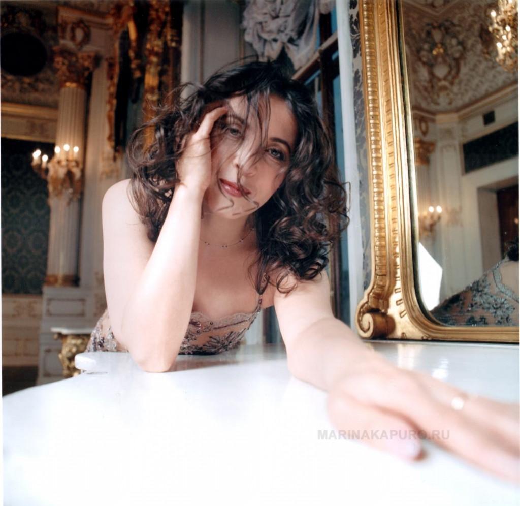 Марина Капуро –(Капуро Марина Станиславовна) родилась 15 октября 1961 года  в городе Ленинград.
