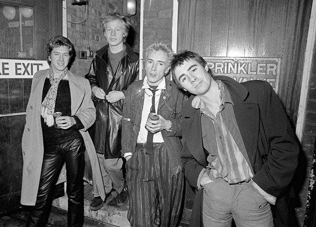 Sex Pistols являются истинными идеологами панка.