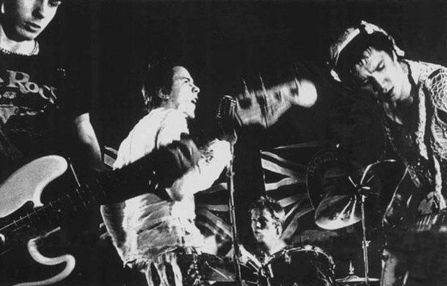 Американский тур Sex Pistols был запланирован на январь 1978 года.
