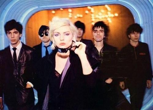 В результате чего Blondie, отменяют свое турне, запланированное на август 1982 года и окончательно перессорившись, в ноябре официально объявили о своем распаде.
