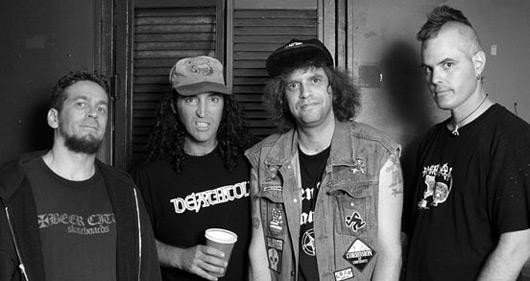 The D.R.I. -  2 мая 1982 года в Хьюстоне (США) бывшие участники хардкор-панк-группы Suburbanites: