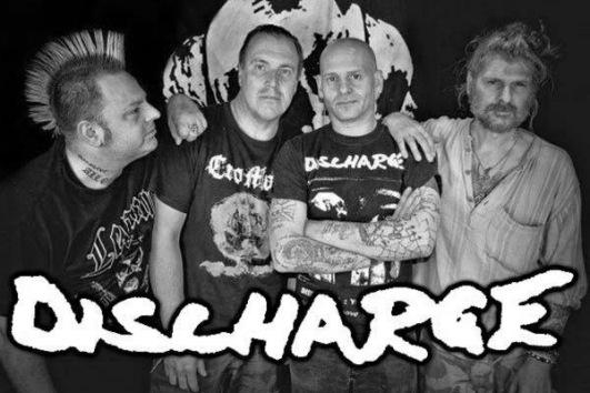 2001 год басгитарист  Найджел Бэмфорд собирает участников первого состава