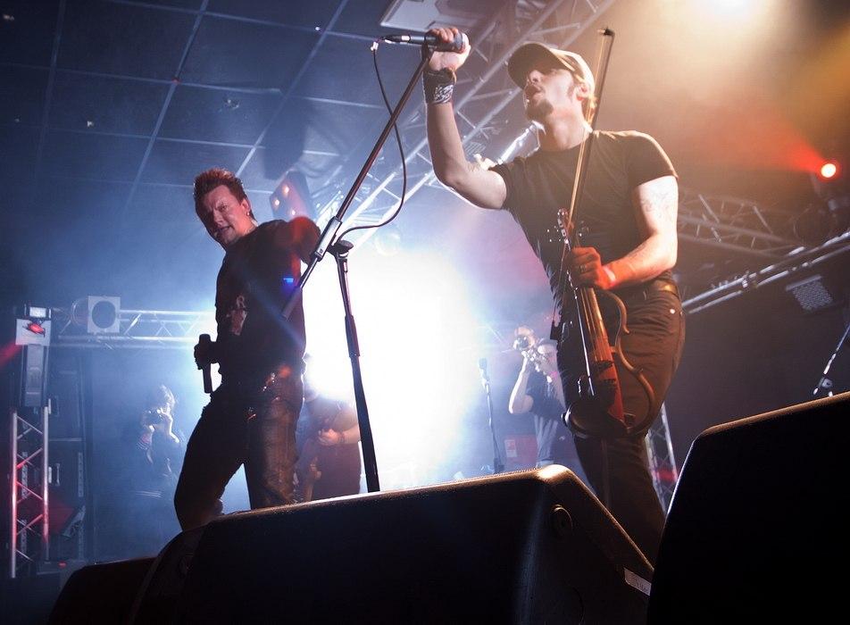 20 октября в Питере состоялась долгожданная  презентация нового альбома группы 20 октября в Питере состоялась долгожданная  презентация нового альбома группы «КняZz»- «Тайна Кривых Зеркал».