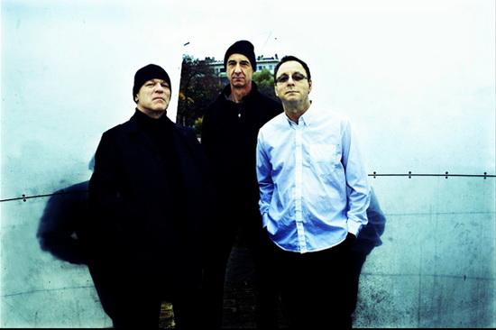 В записи нового альбома принимали участие Грэм Льюис, Колин Ньюман и Роберт Грей.