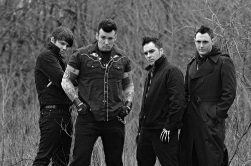 Группа выступает в стиле хоррор-панка.