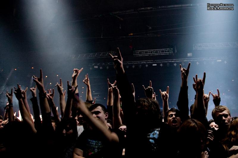 """25 ноября 2012 года в Москве в столичном клубе  """"Arena Moscow"""" отыграли очередной свой концерт панк-группа «Король и Шут»."""